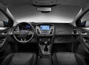 Ford-Focus_2015_Manual