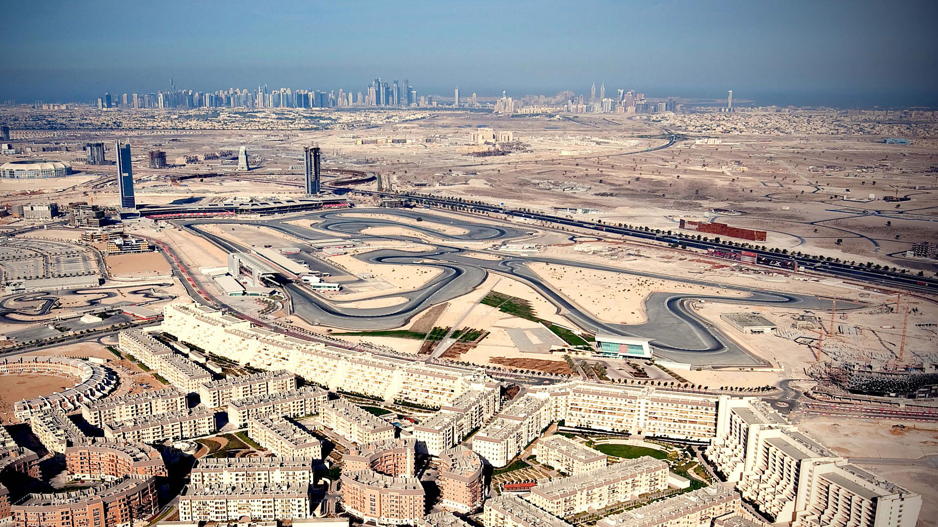 Dragon racing a bespoke race track experience for Hotels in motor city dubai
