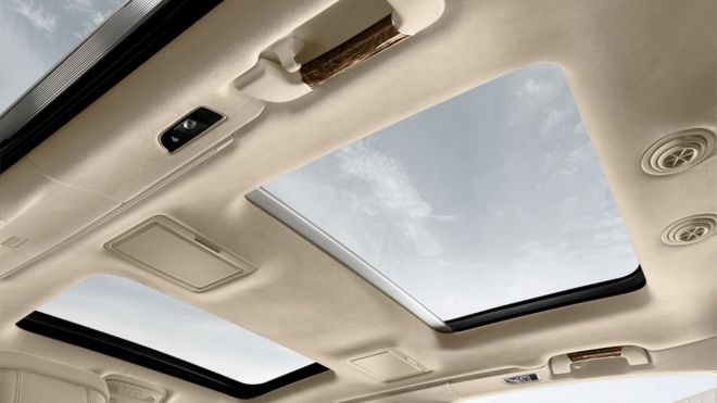 2015-Audi-A8L-beauty-interior-panoramic-sunroof-01