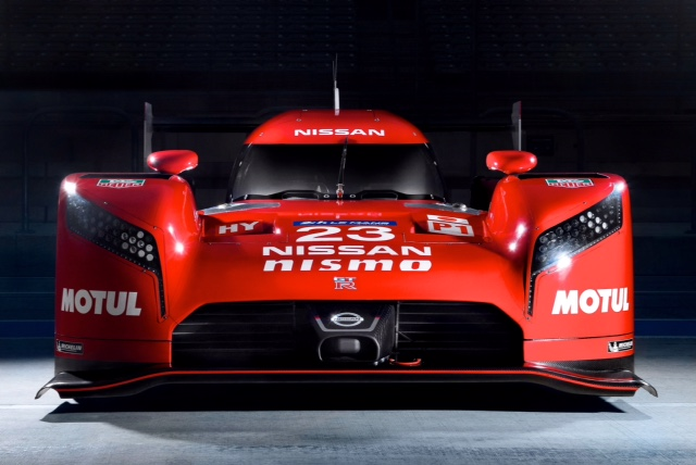 Nissan GT-R LM Nismo (1)_Low (1)