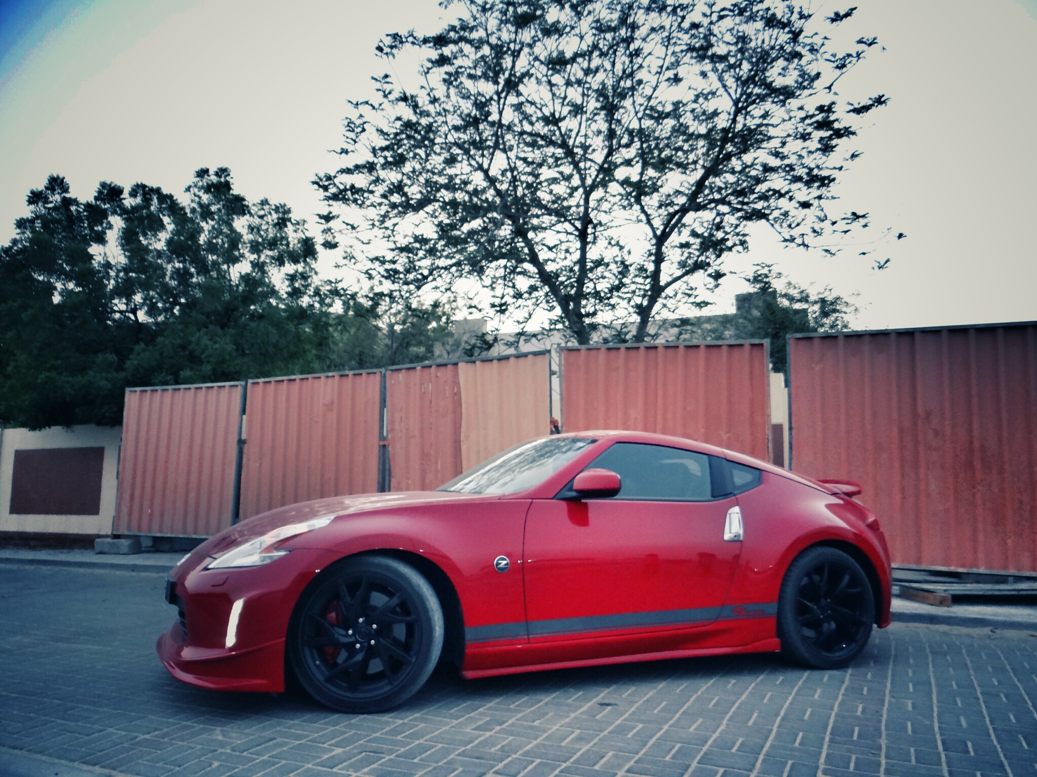 Nissan 370Z GT Edition Side view