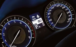 Q70 interior-3_Dials