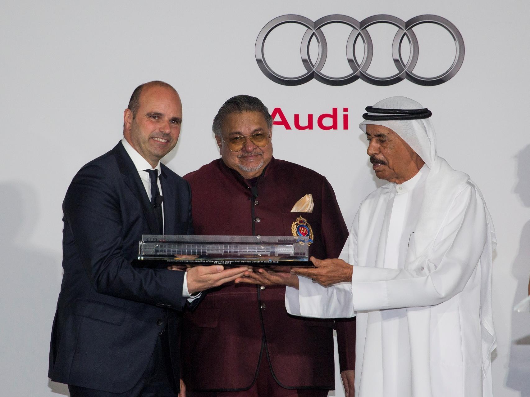 Markus Siebrecht, Mr K Rajaram and HE Khalifa Juma Al Nabooda.jpg
