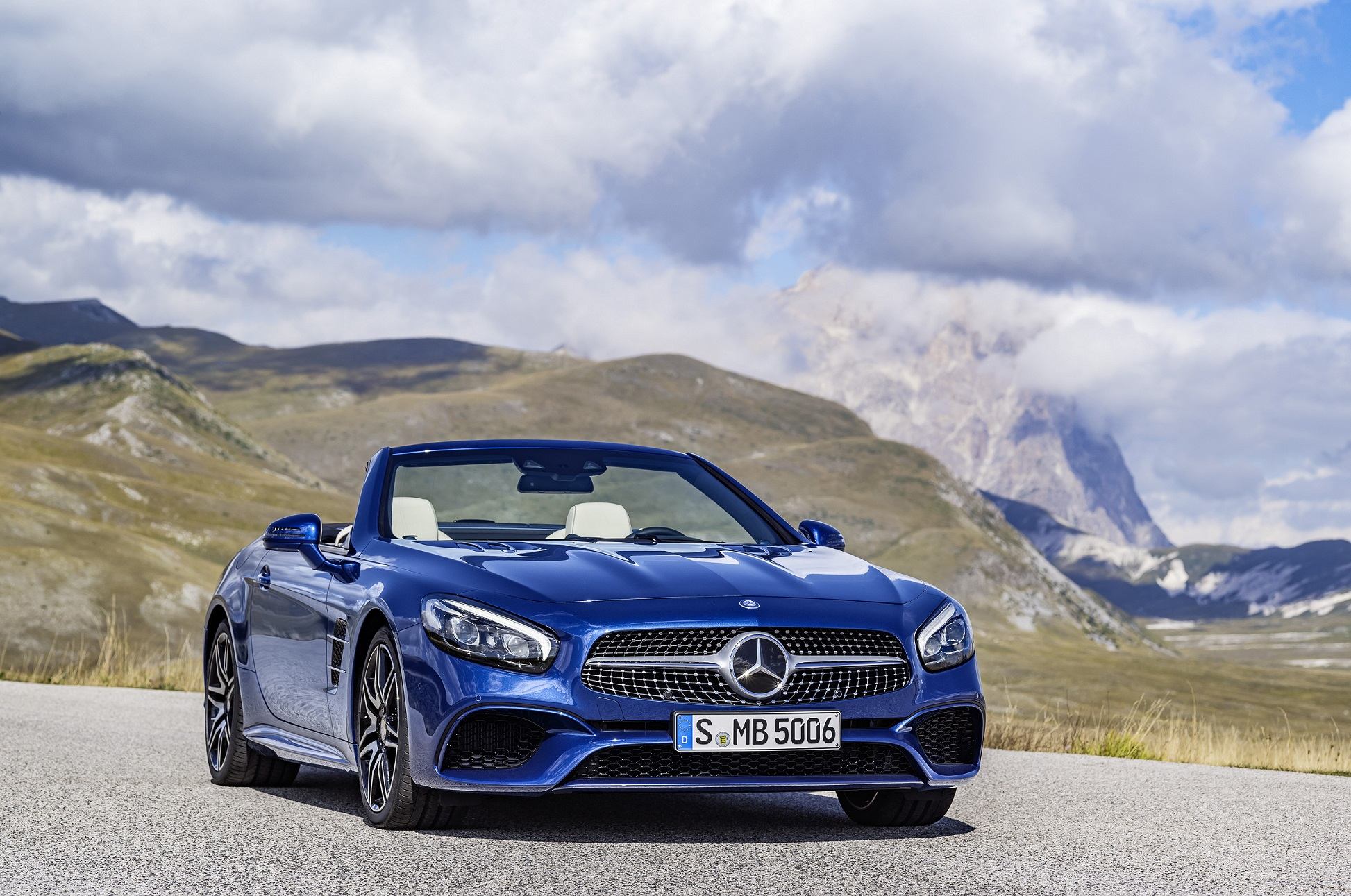 The new Mercedes-Benz SL.JPG