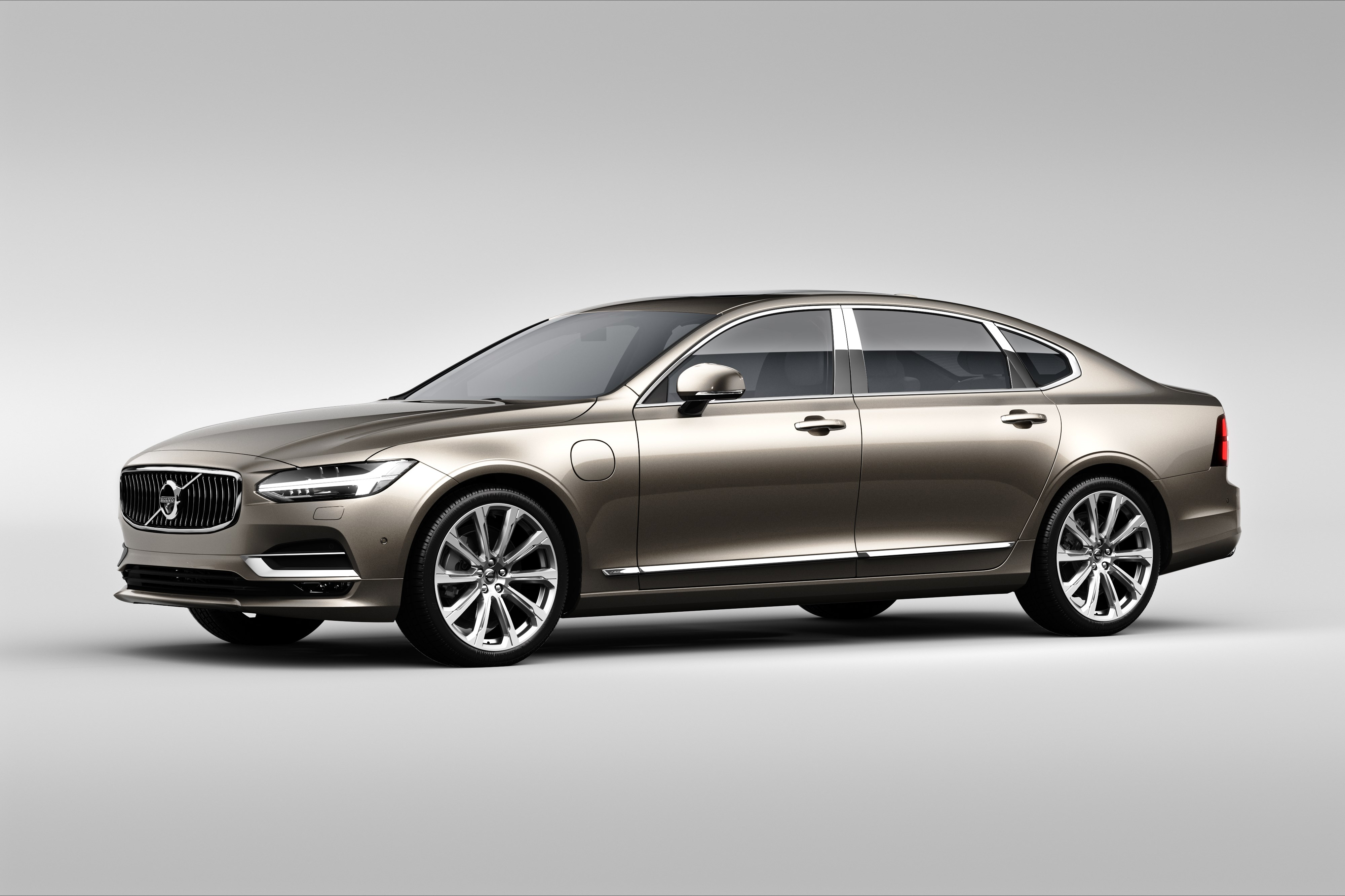 Volvo S90 Excellence exterior front_3_4.jpg