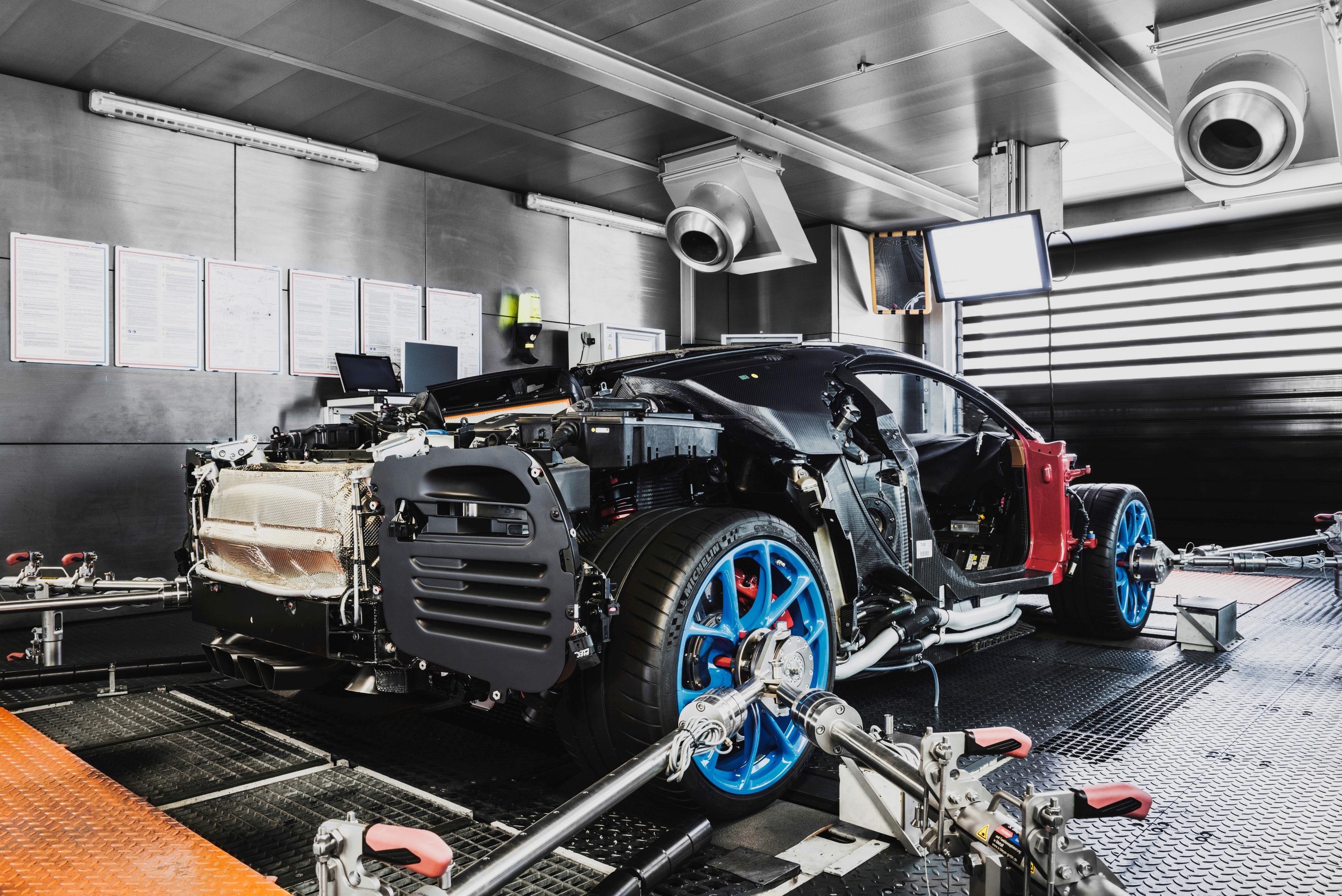 12_Molsheim_Bugatti_Atelier_sx.jpg