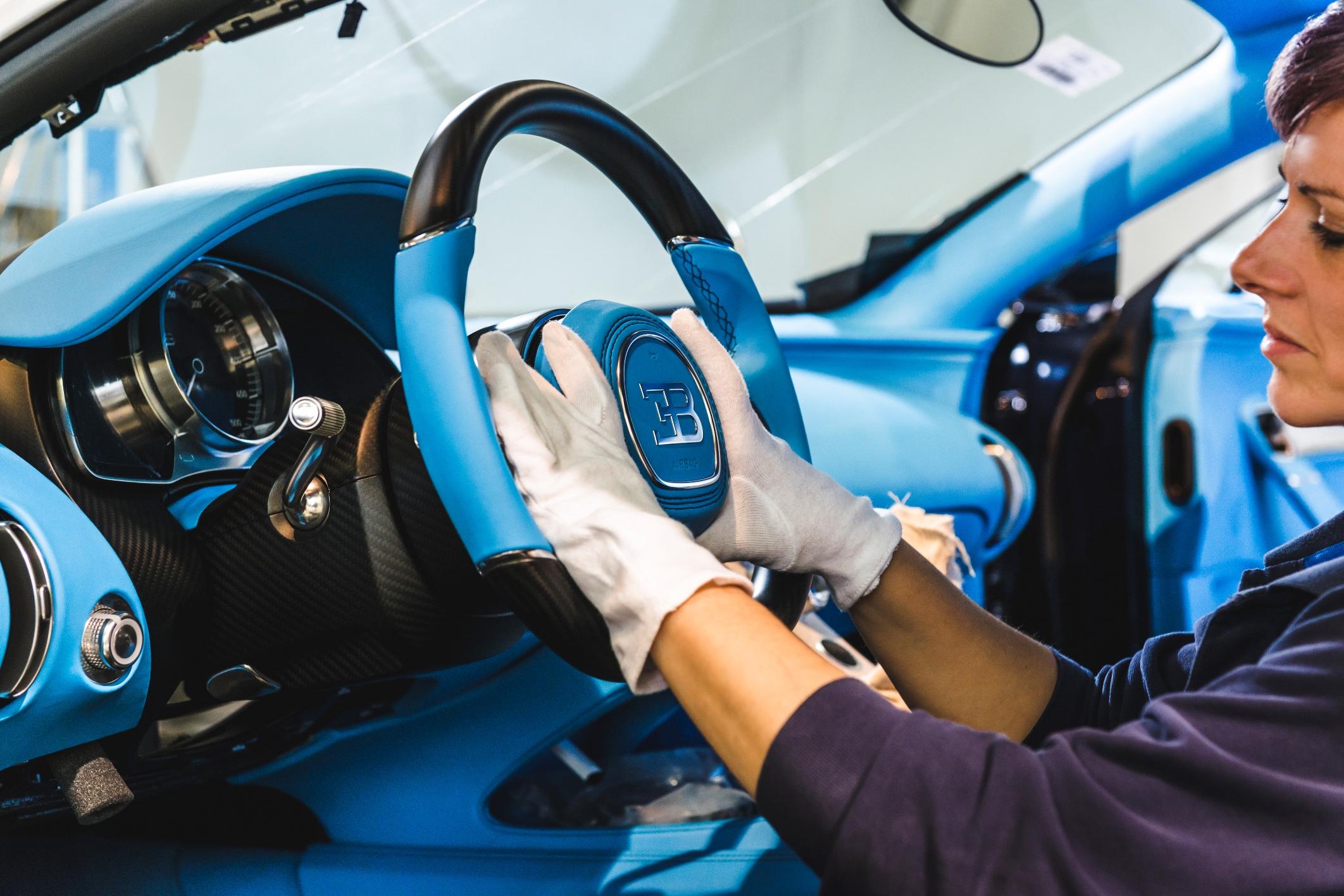 15_Molsheim_Bugatti_Atelier_sx.jpg
