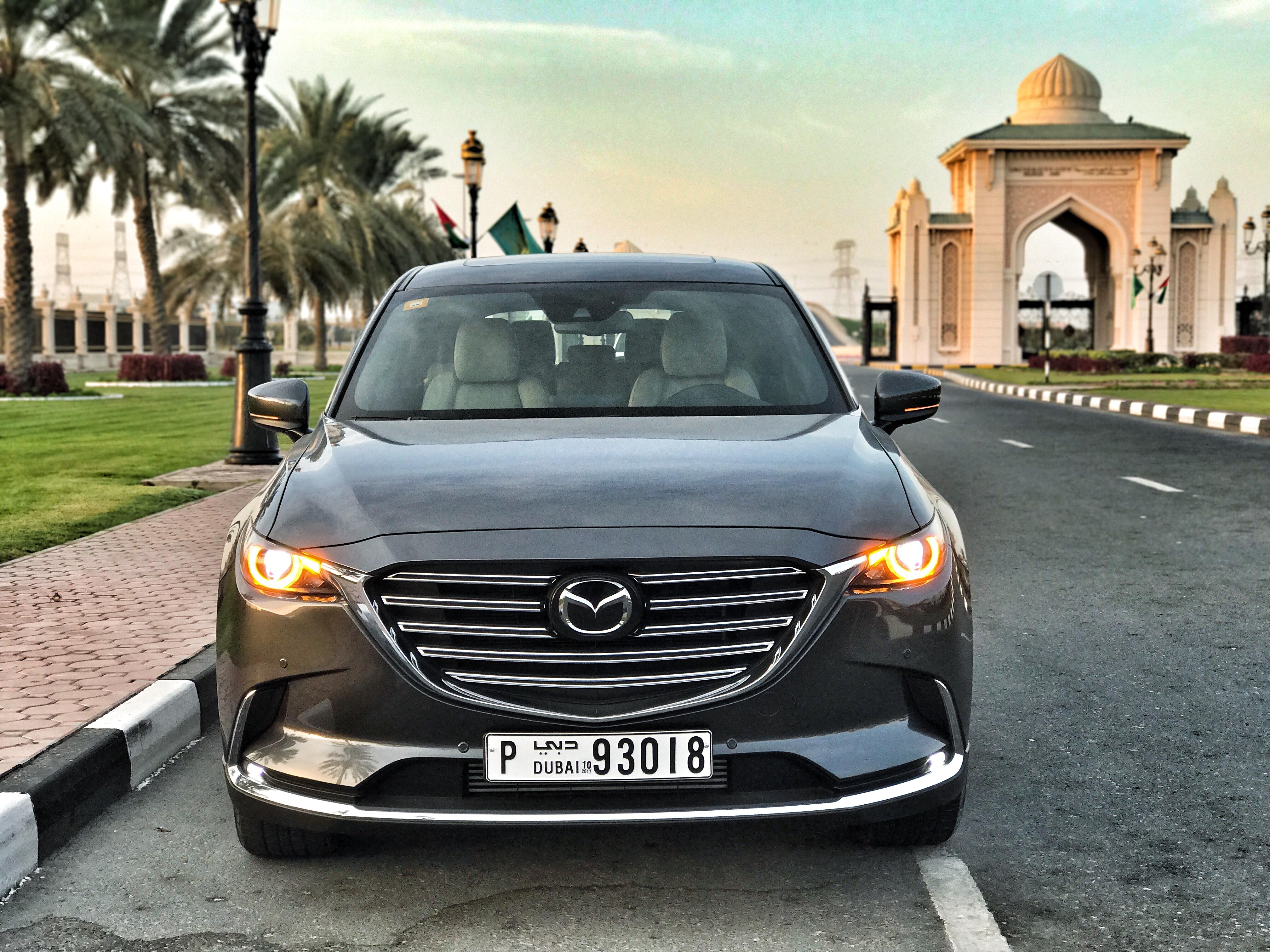 Mazda CX-9 Front Sharjah Unversity City.JPG